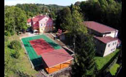 Umělý sportovní povrch Bergo pro venkovní i vnitřní sportoviště