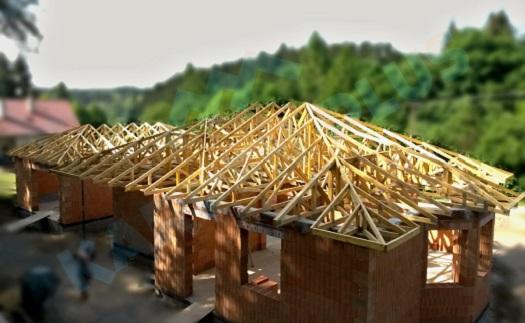Montáž krovů a vazníků pro různé typy střech