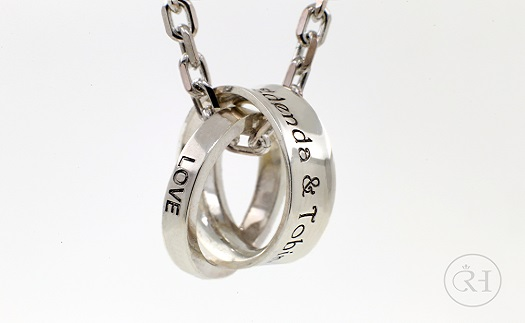 Ocelové šperky - prsteny, náušnice a další z chirurgické oceli Brno-venkov