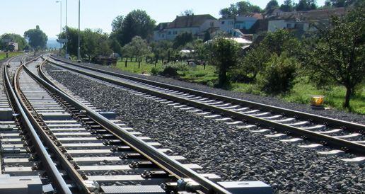 Sanace podloží kolejí, zařízení tratí a značek