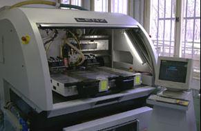 Souřadnicová plošná fréza - obrysové opracování plošných spojů