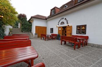 Restaurace a penzion Kadlcův mlýn Brno, Restaurace a penzion Kadlcův mlýn