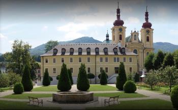 Ubytování v prostorách bývalého františkánského kláštera, Mezinárodní centrum duchovní obnovy