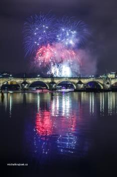 Novoroční ohňostroj Praha, OHŇOSTROJE Krupička, s.r.o. Zábavní pyrotechnika Praha