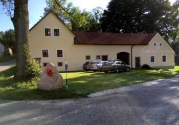 Rodinná farma, Hacur, s.r.o.