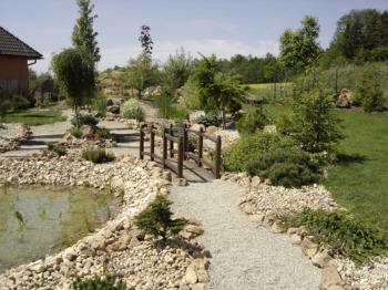 Návrh, realizace, úprava zahrady, Společnost  I & T s.r.o.
