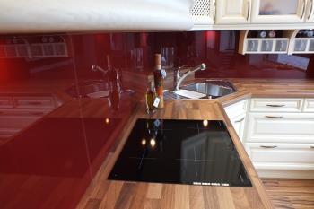 kuchyňská linka, TRESEBURG s.r.o. N & C Glass