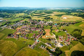 Obec v okrese Karlovy Vary, Obec Jenišov