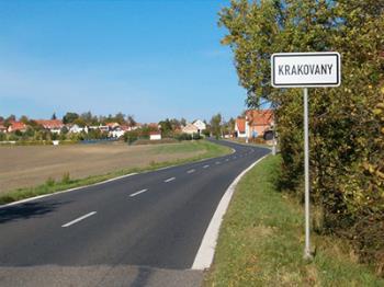 Obec na rozmezí Železných hor a Polabské nížiny, Obec Krakovany