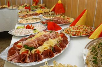 Catering, LABU�N�K - FAST FOOD s.r.o.