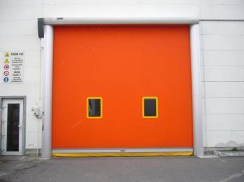 venkovní rychloběžná vrata, Novaferm, s.r.o. Rychlonavíjecí průmyslová vrata Praha