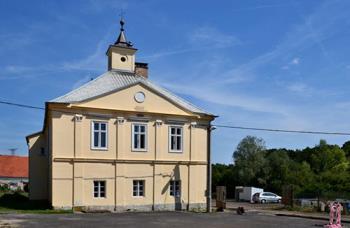Obec v Ústeckém kraji v okrese Chomutov, Obec Rokle