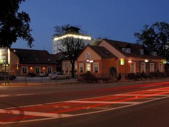 Birdie - Restaurant & Pension Pardubice