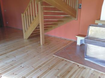 Zajist�me pokl�dku a renovaci podlah (brou�en�, tmelen�, lakov�n�) v�etn� PUR lit�ch epoxidov�ch podlah., DIONE B�etislav �indler