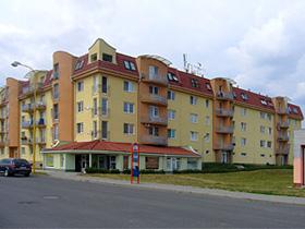Realizace střechy bytového domu, KLEMPEX Vlastimil Čevelík