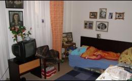 Ubytování, pokoje pro seniory a postižené osoby