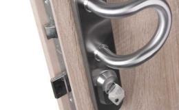 Mechanické dveřní kování a zámky pro maximální bezpečnost