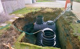 Usazení akumulační nádrže na dešťovou vodu - Kroměříž