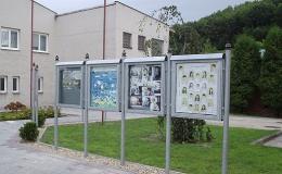 Exteriérové informační plochy a vitríny