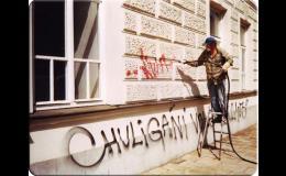 čištění grafitů