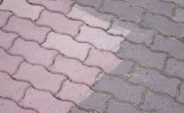 Očištění povrchů betonu, zámkové dlažby metodou tryskání a pískování