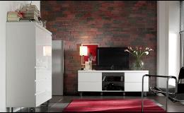 Noční a TV stolky v různém dekoru