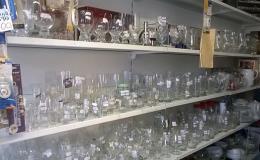 Užitkové sklo a porcelán, sklenice, hrnky - prodej