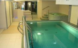 Komfortní wellness bazén