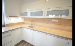Světlý dub-bílá - kuchyně podle Vašich představ