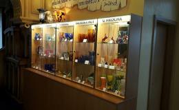 Výrobky místní sklářské hutě