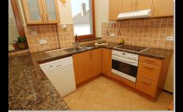 Kamenné kuchyňské pracovní desky