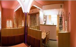 Vychutnejte si šálek lahodné italské kávy a skleničku moravského vína v originální vinné kavárně ve Velkých Pavlovicích