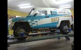 Spolupráce s účastníky Rallye Dakar, oprava offroad a závodních aut