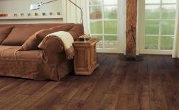 Pokládku dřevěných, laminátových a vinylových podlah zajistí ve Znojmě firma Podlahy a dveře Lukáš Nekula