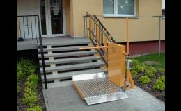 venkovní schodišťová plošina