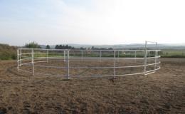 Výroba ohrad a kruhových jízdáren pro koně a hospodářská zvířata