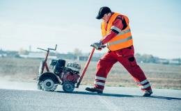 Opravy silnic, cest, komunikací