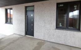 Distribuce, dodávka plastové a hliníkové vchodové dveře