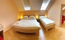 Ubytování v klimatizovaných komfortních pokojích v penzionu Lednicko-valtický areál