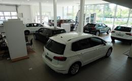 Ruční mytí vozidel, čištění interiérů a motorů VW Znojmo