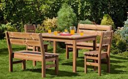 Sestavy dřevěného zahradního nábytku