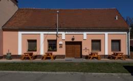 Výroba a prodej špičkových červených a bílých moravských vín Hustopeče