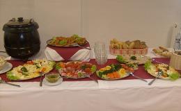 Občerstvení formou švédských stolů