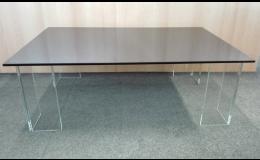 skleněné stoly na zakázku