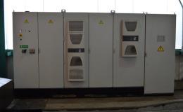 Dodávka rozvaděčových skříní a rozvaděčů pro karusely, obráběcí stroje a výrobní linky