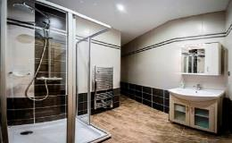 Dvoulůžkové pokoje s klimatizací a moderně vybavenou koupelnou - Penzion Valtice, Pálava