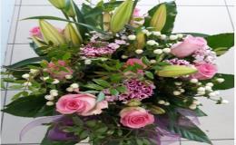 Svatební kytice a vazby - uvázaní svatební kytice na zakázku květinářství Prostějov