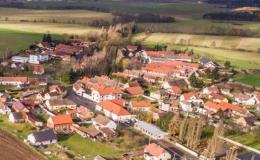 Letecký snímek naší obce