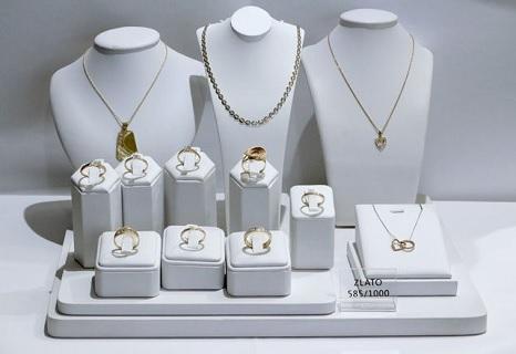 velký výběr šperků ve Zlatnictví Zlín