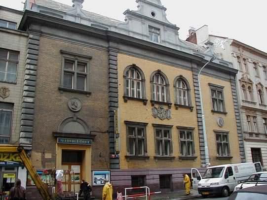 Čištění a mytí fasád Praha, ČR